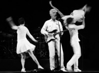 David Byrne na turnê do disco com Brian Eno