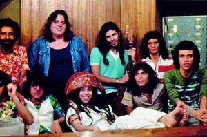 O grupo reunido em estúdio, no final da década de 70