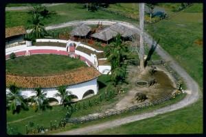 vista aérea da lendária Hacienda Napoles, onde o menino cresceu