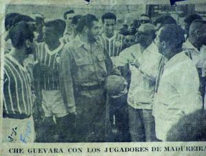 Detalhe de notícia de jornal cubano sobre a visita de Che ao time carioca