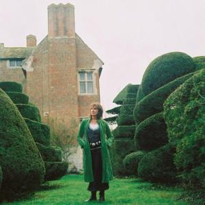 Amanda nos jardins de Beckley Park