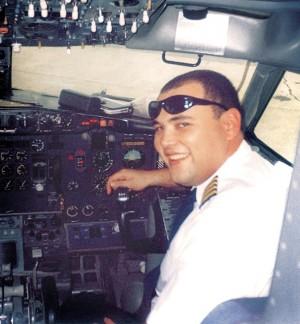 Marcelo à vontade numa cabine de avião