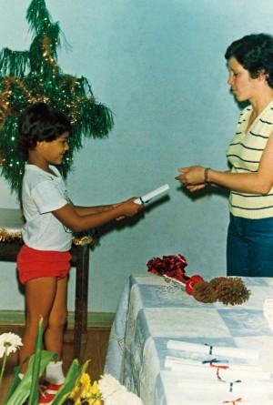 Criolinho recebendo seu primeiro diploma