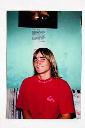 O pastor durante a parafinada e mundana adolescência de surfista