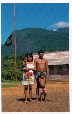 Com a mulher e dois dos cinco filhos, em foto dos anos 1990
