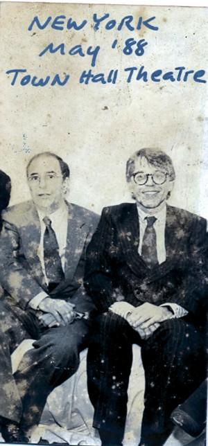 com o ex-vizinho João Gilberto, cuja gestão de carreira Nelson considera impraticável