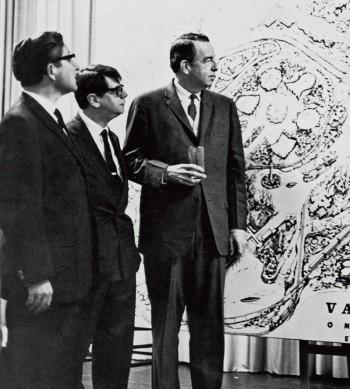 O comediante José Vasconcelos (centro) no lançamento oficial da Vasconcelândia