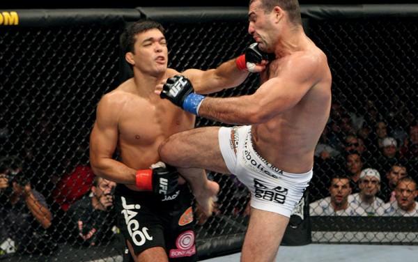 No UFC 104, em outubro passado, contra Shogun, a primeira (e polêmica) defesa do cinturão