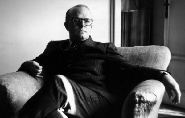 A autor Truman Capote em um de seus retratos mais famosos