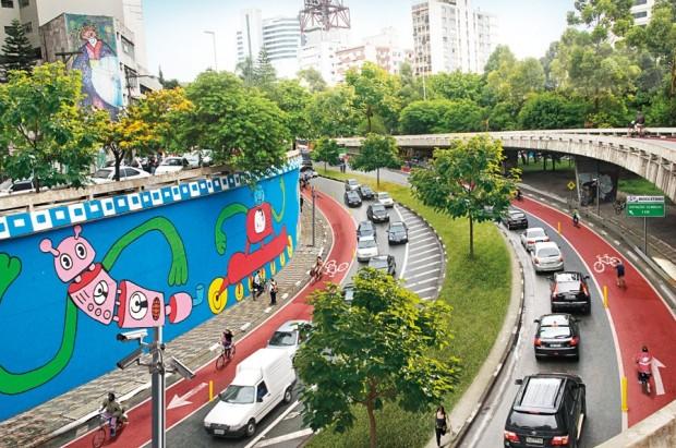 Túnel de acesso À Av. Paulista l 11 de julho de 2015, 17:40