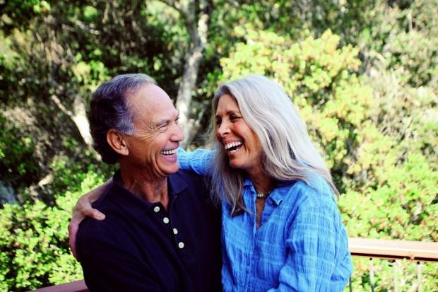 John e Deo, sua mulher e companheira de desapego, apegados há 44 anos