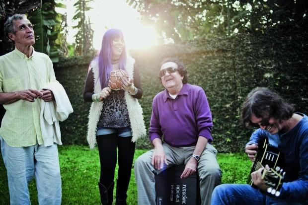 Galvão, Baby, Paulinho e Dadi de volta ao Cantinho do Vovô