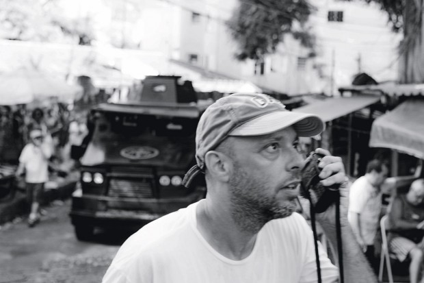 José Padilha no set de