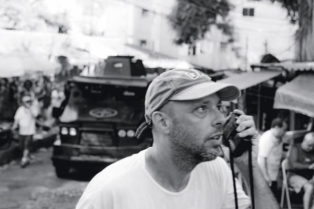 José Padilha no set de 'Tropa de Elite 2' (2010)