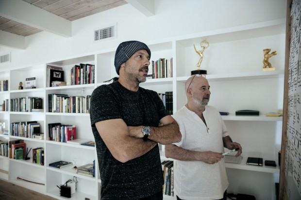 Com Ezra Sacks, roteirista e professor da Tisch School of the Arts, da Universidade de Nova York, durante a sessão de fotos para a Trip
