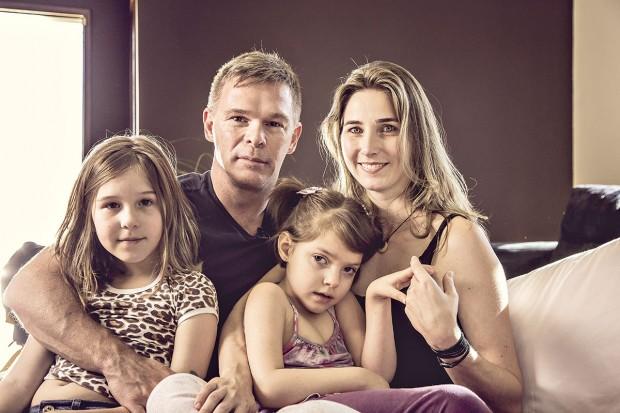 Katiele de Bortolli Fischer e família
