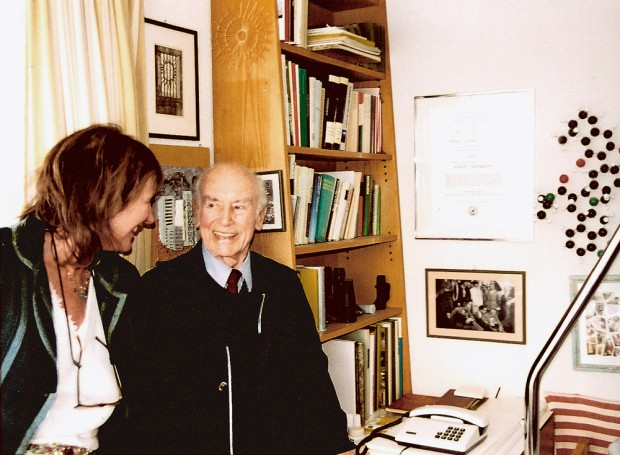 Com Albert Hofmann, o criador do LSD, no quarto dele na Suíça