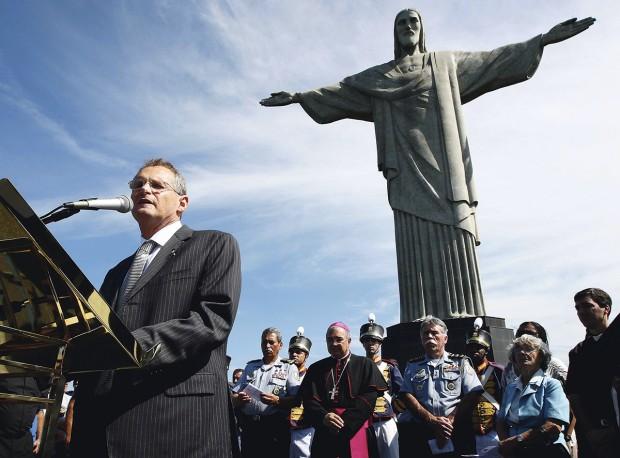 Missa realizada no Cristo Redentor pelos 200 anos da fundação da polícia militar do Rio de Janeiro, em 2009