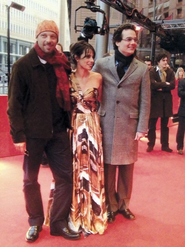 Com Maria Ribeiro e Wagner Moura, no Festival de Berlim de 2008, quando ganhou o urso de ouro