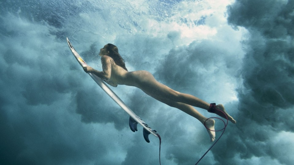 Maya Gabeira, como veio ao mundo em V-Land, no Havaí