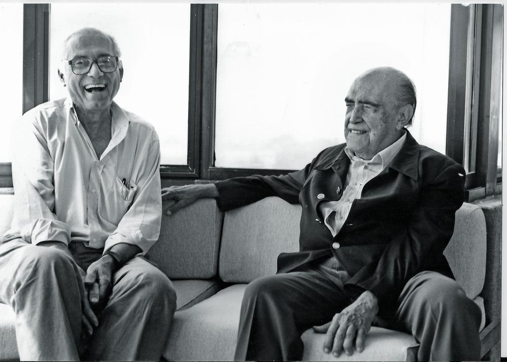 Com o mestre, amigo e parceiro de trabalho, Niemeyer