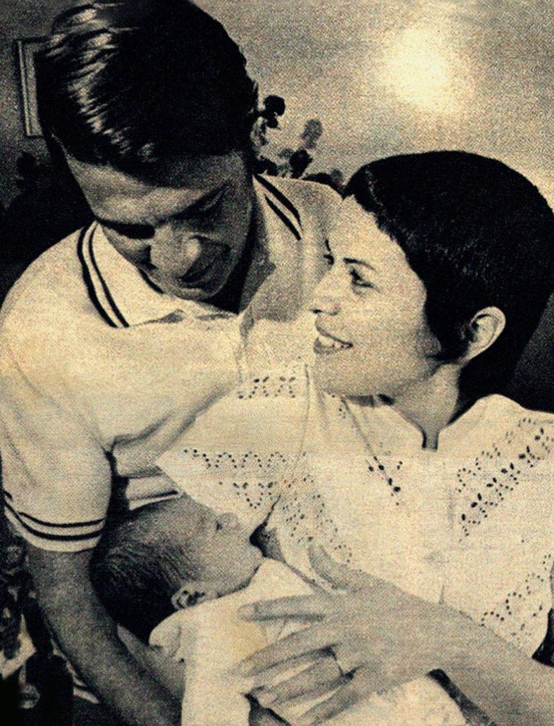 Elis Regina e Ronaldo Bôscoli com João Marcelo