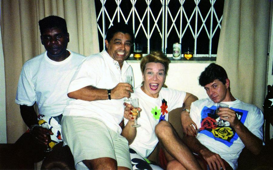 No seu aniversário de 2001, com Emílio Santiago, Rogéria e Miguel Falabella