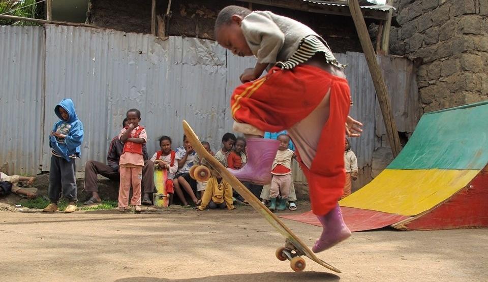 A primeira pista de skate da Etiópia