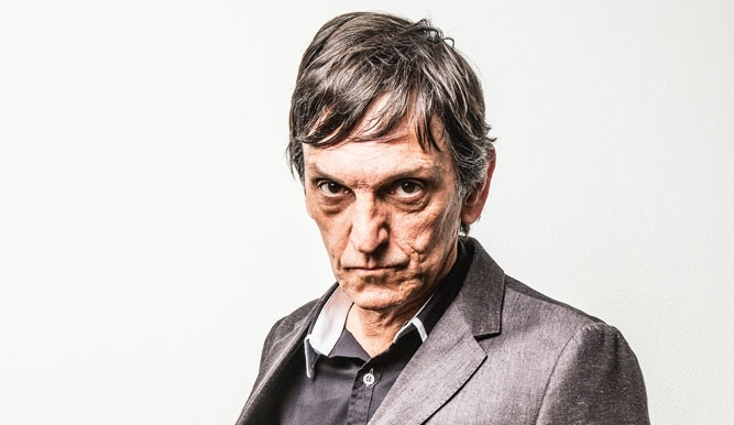 O titã Paulo Miklos