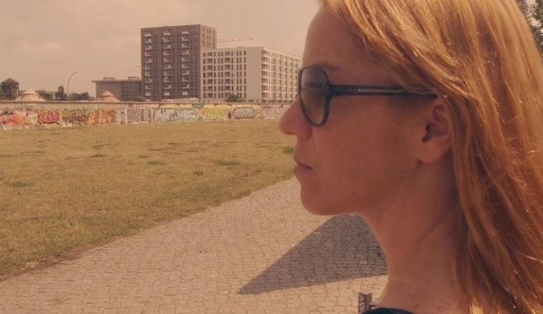Karina Buhr e o muro