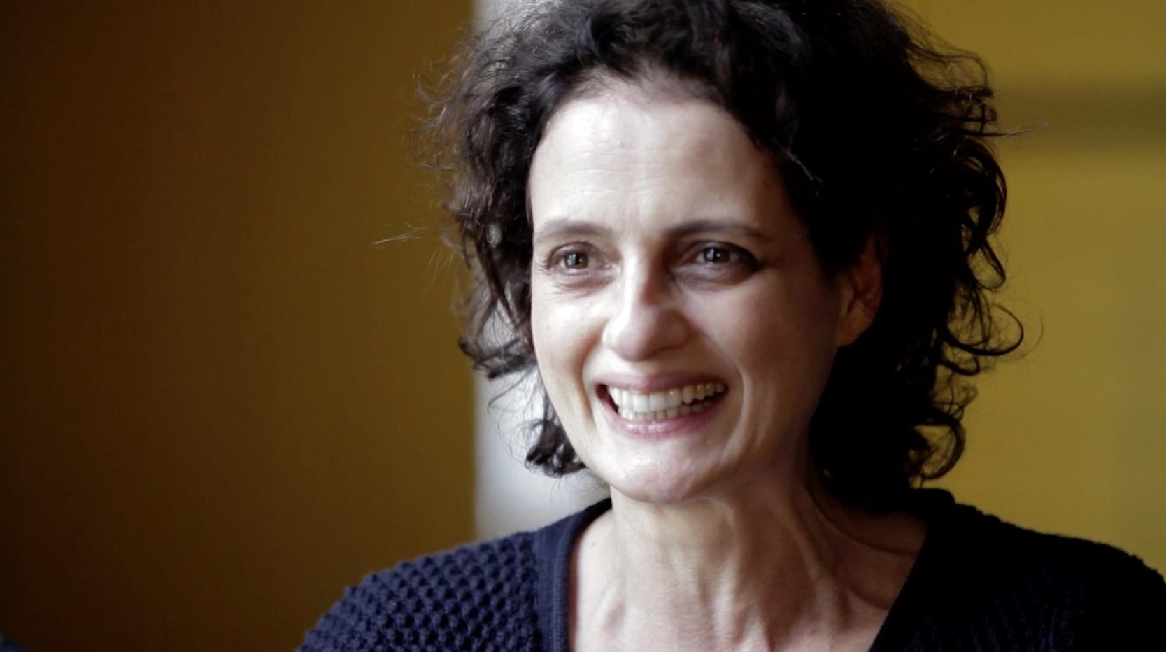 Denise Fraga conversa sobre teatro, televisão e maioridade penal