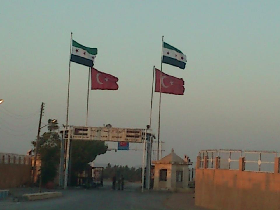 A fronteira da Síria com a Turquia, ainda em território hostil