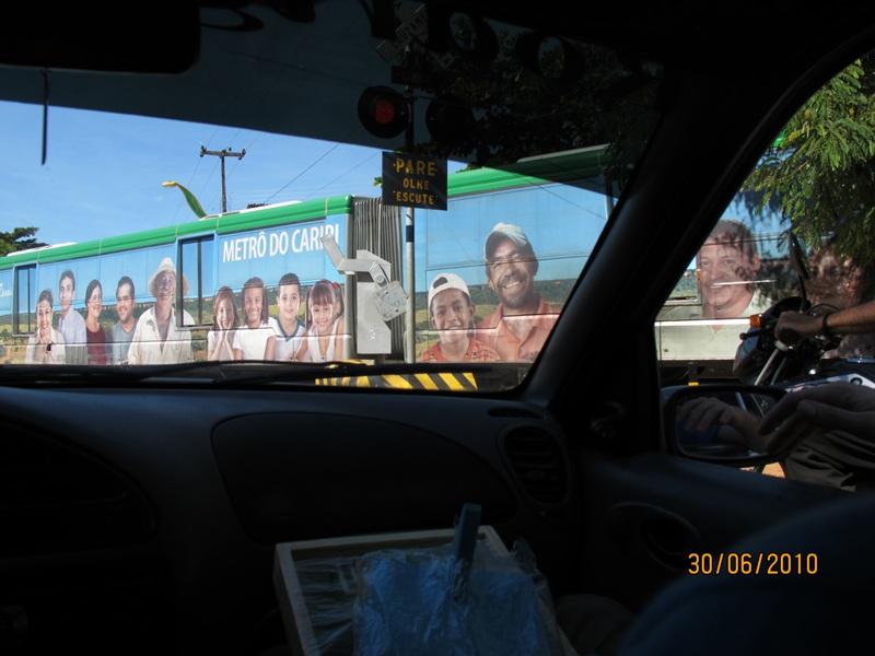Juazeiro do Norte - CE - metrô do Cariri passando