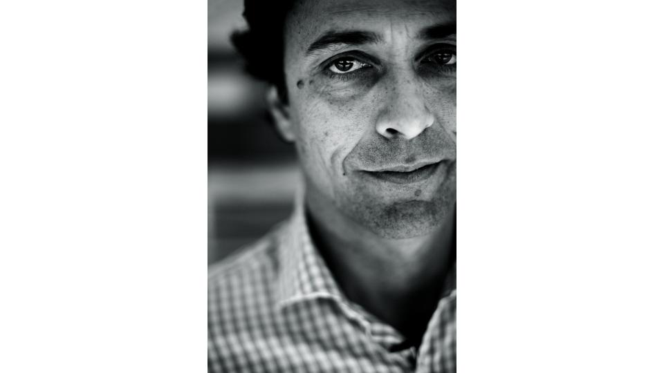 Marcelo Andrade, do Pro-Natura,  avalia todos os indicadores sociais da comunidade antes de iniciar um projeto