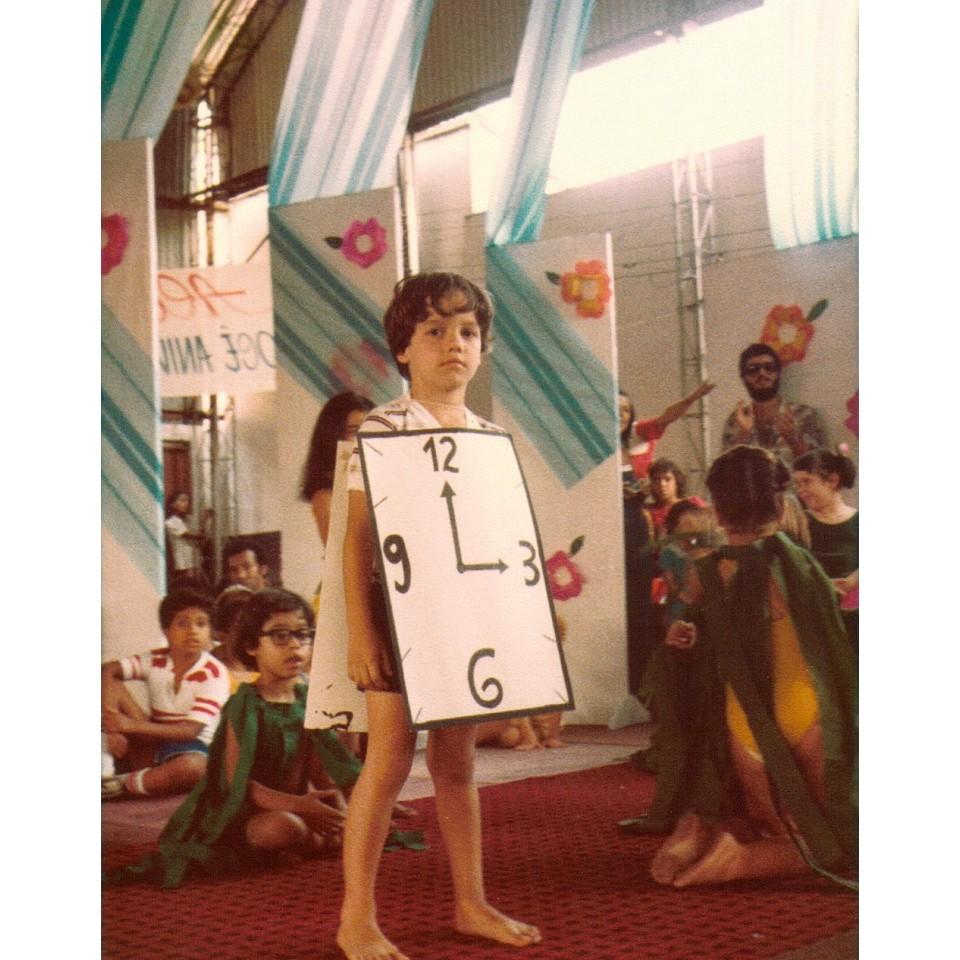 Wagner, aos 5 anos, numa peça de teatro na escola, no Rio de Janeiro
