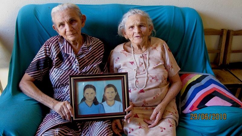 irmãs Maria e Francisca  Julia Leite