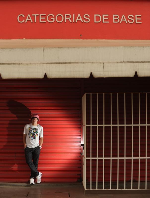Andrigo surgiu nas categorias de base do Inter, em Porto Alegre. Ele mora nos alojamentos do clube