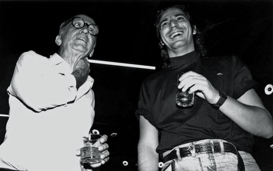 Ao lado de Millôr Fernandes, no Salão de Humor de Piracicaba de 1990