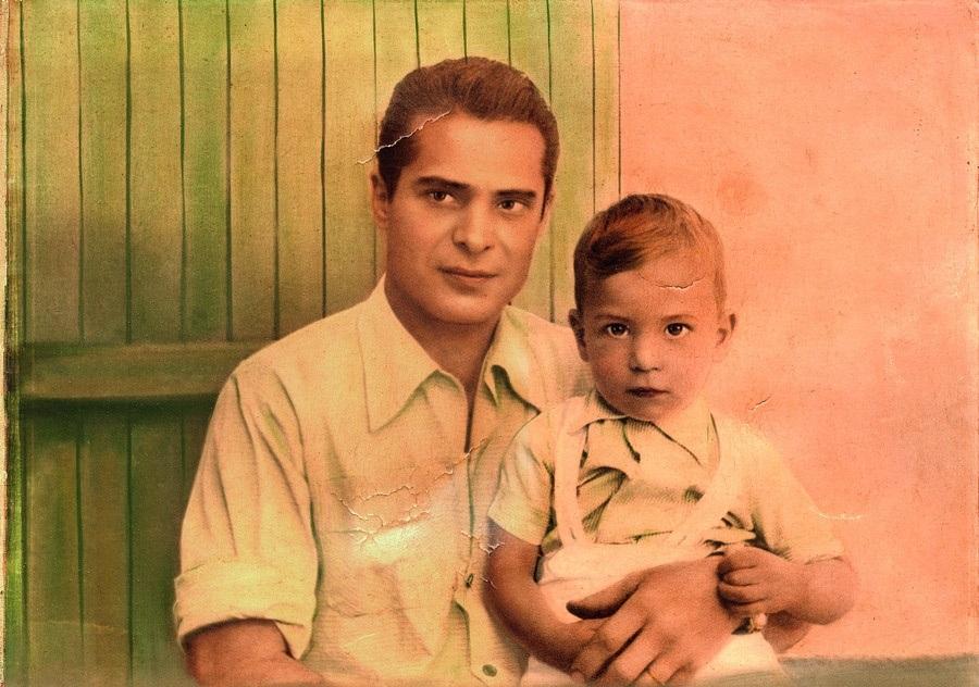 Os dois Arnaldos, pai e filho, em foto de 1957 tirada pelo tio Mário Angeli