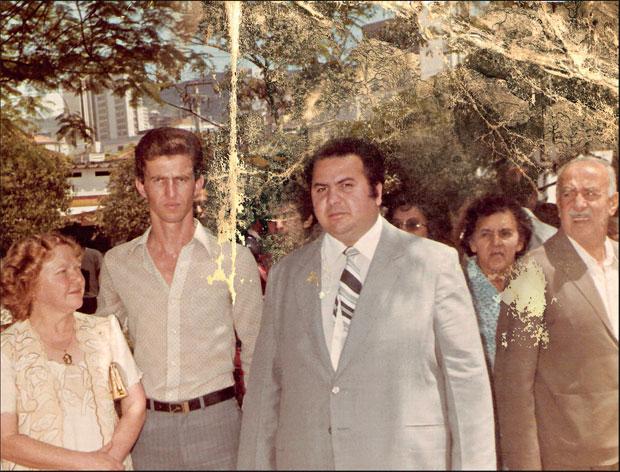 Na posse como presidente da Febem-MG ao lado da mulher, Maria José