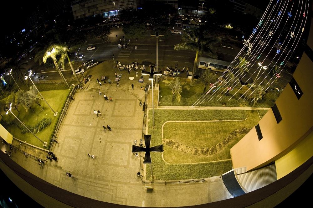 Parapeito do Shopping Pátio Brasil (região central): ponto de encontro e de alguns suicídios de jovens brasilienses