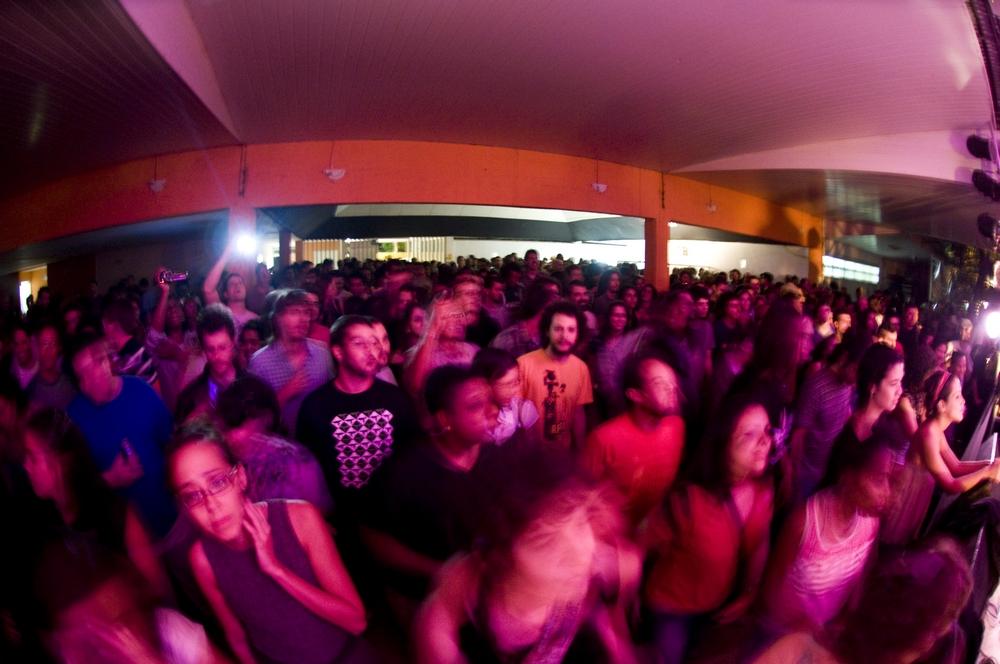 O groove setentão de Combo animou a plateia jovens da Funfarra