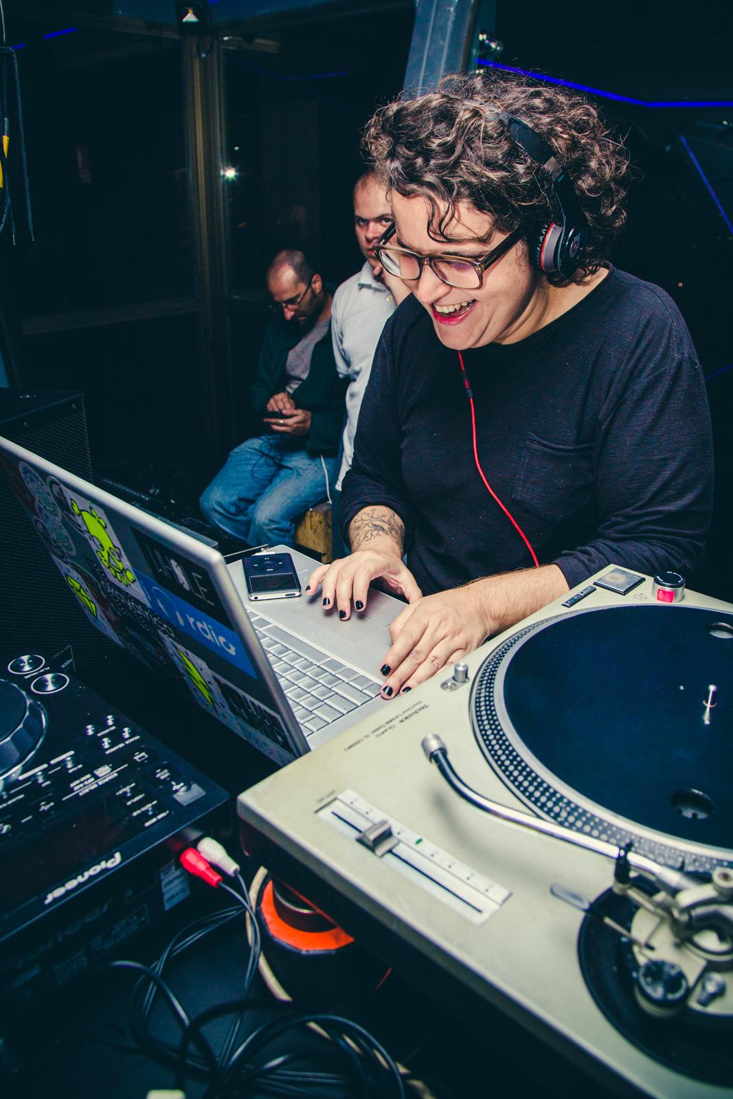 DJ Cris Naumovs: simplesmente sensacional!