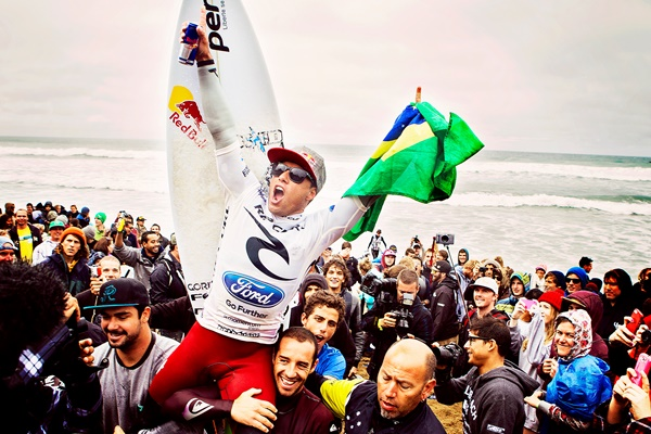 Adriano de Souza vence em Bells Beach