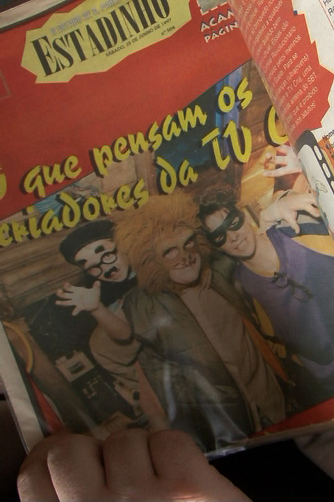 Caíque (no centro), como Macarrão do TV CRUJ