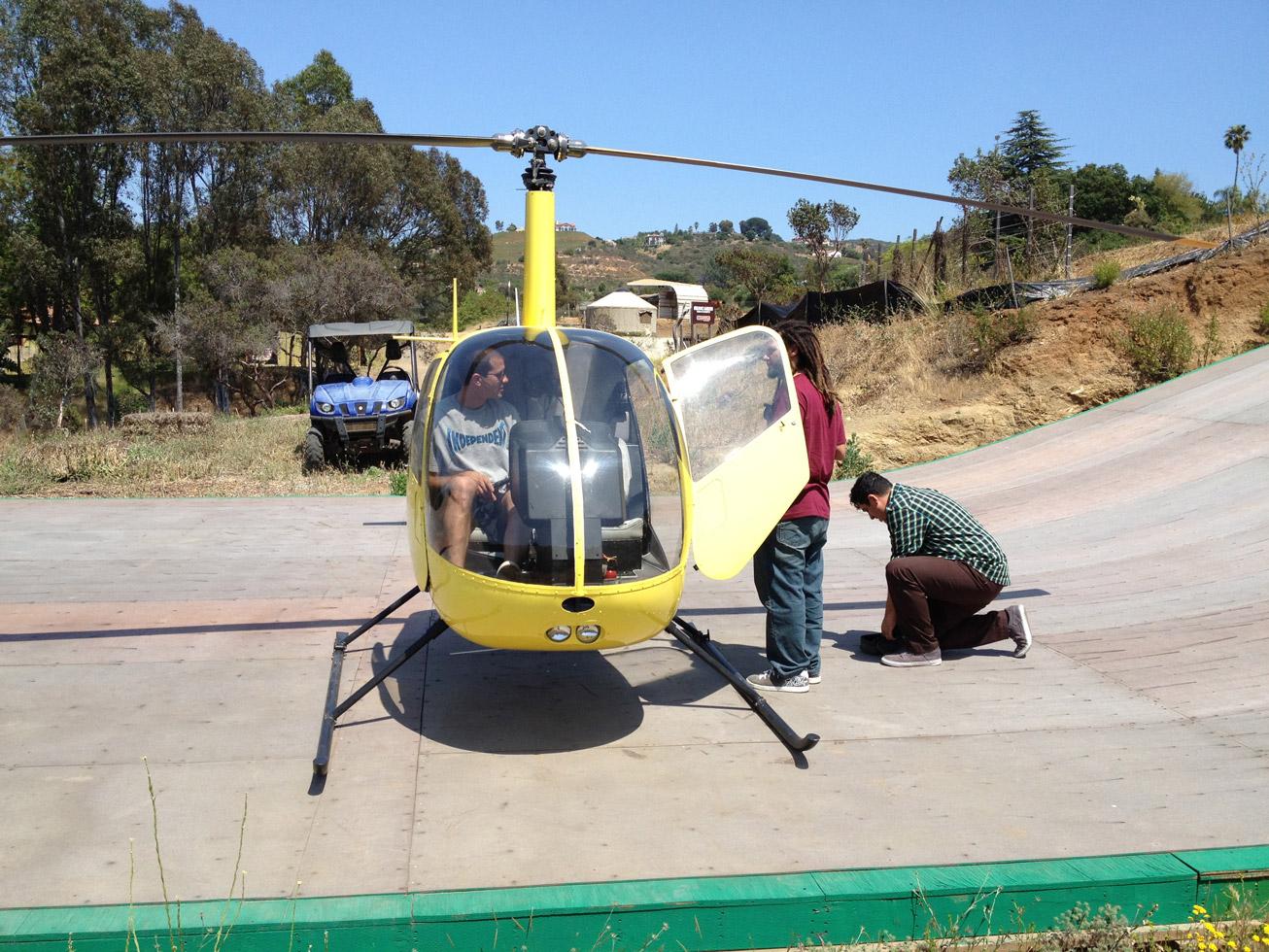 Helicóptero estacionado na Mega Rampa do Bob