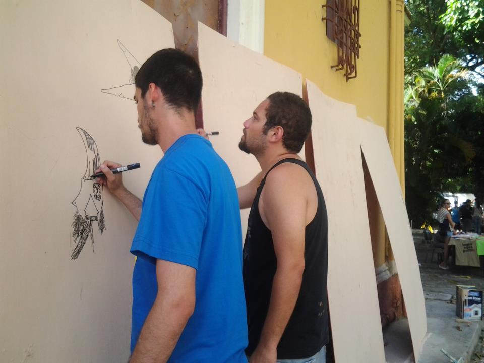 Fernando Moraes e Raone Ferreira, do Coletivo Imarginal, em ação