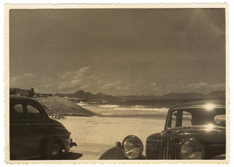 A praia do Arpoador em 1948: registro do início da cultura de praia carioca