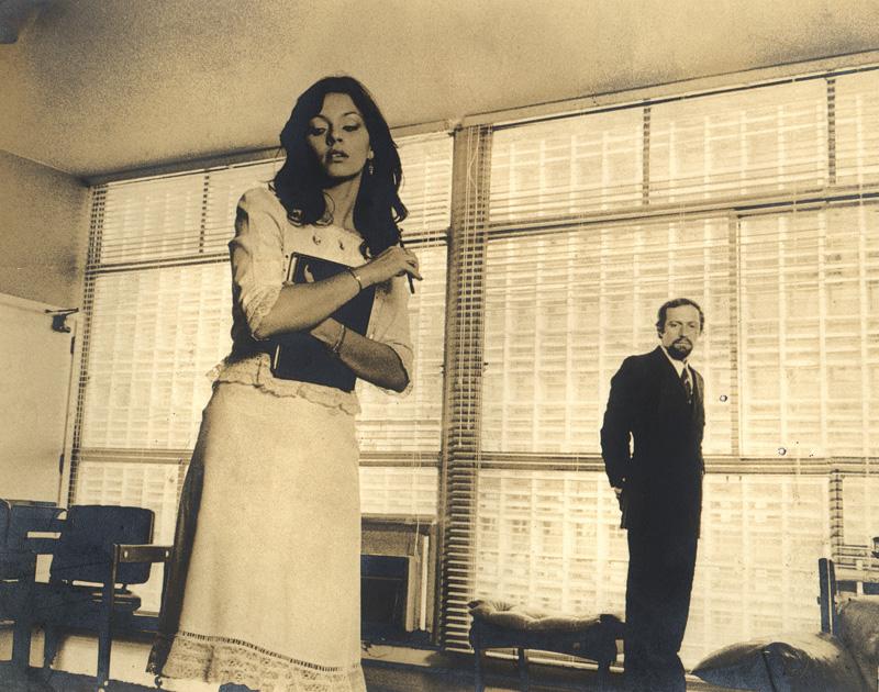 Pereio se dá bem em duas cenas de A extorsão (1975), de Flávio Tambellini: com Katia D'Angelo (frente) e Kate Lyra (verso)