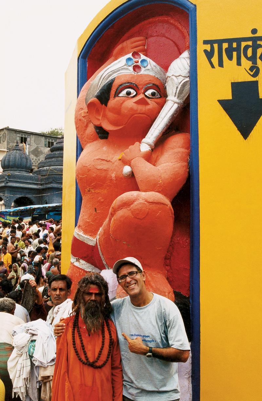Com Saddhu indiano; Nasik, Índia, 2003